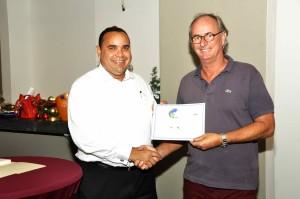 Muys Ciermans representing La Placita accepting Award from Lieutenant Governor of Bonaire Mr Edison Rijna